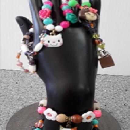 beads hand